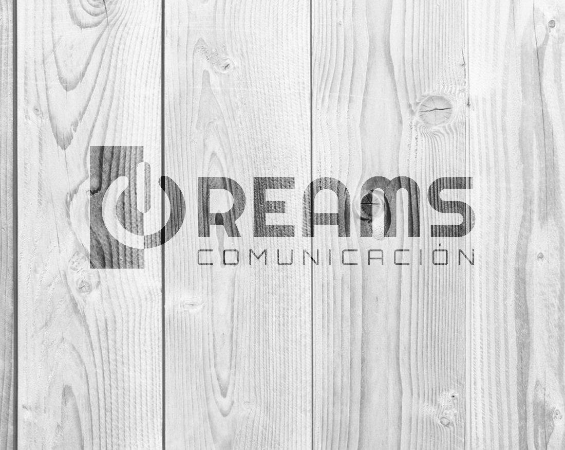 Dreams Comunicación cartel madera